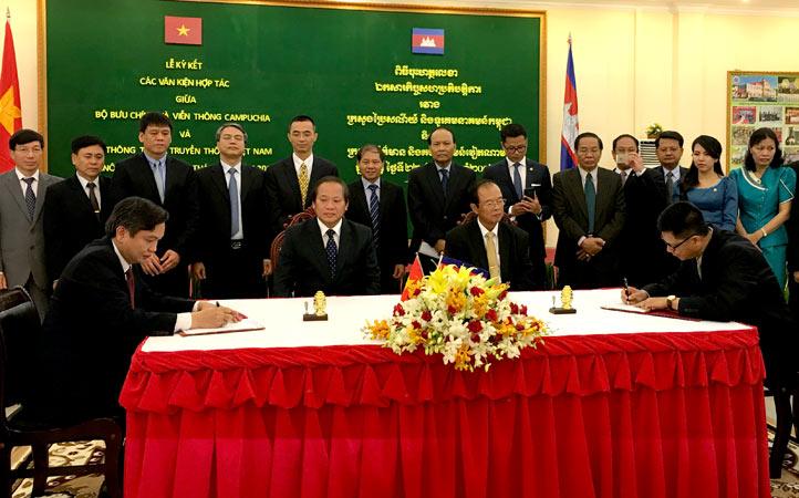 Việt Nam, Campuchia ký kết kế hoạch hợp tác thông tin 2016-2020 - ảnh 3